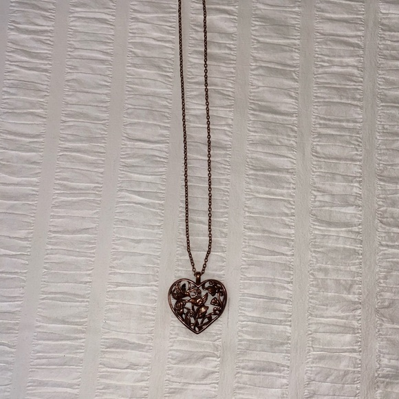 2/$20 🌷 Aldo brassy 3D bird heart necklace
